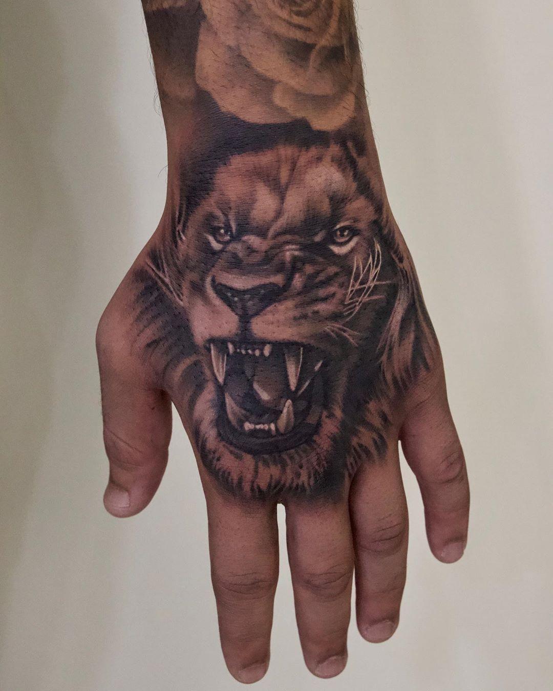 Best Tiger Realism Tattoo Artist