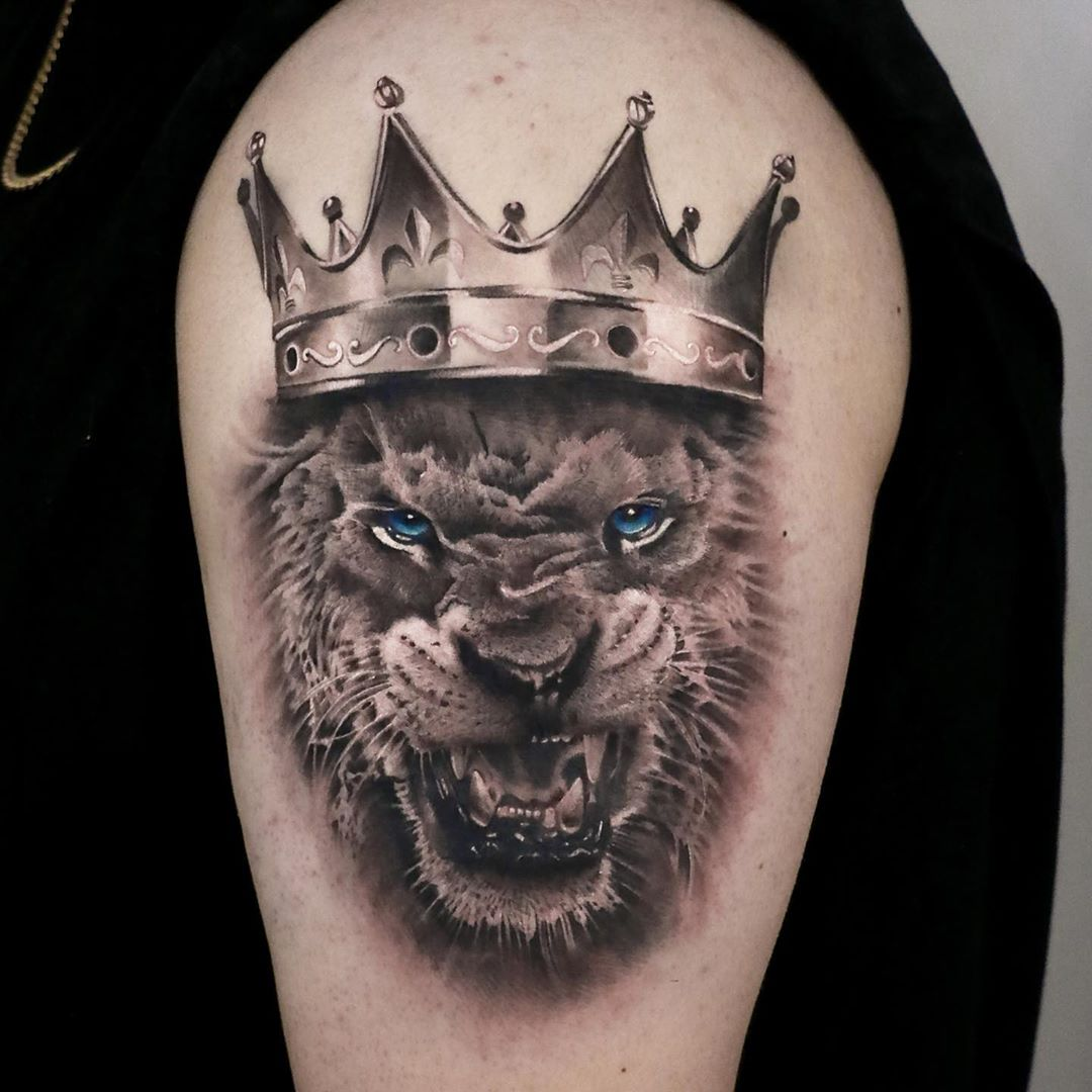 Best Black and Grey Lion Tattoo Artist Toronto